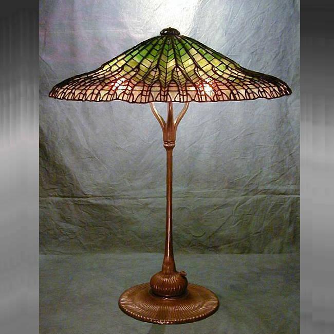 Đèn bàn Tiffany Lotus