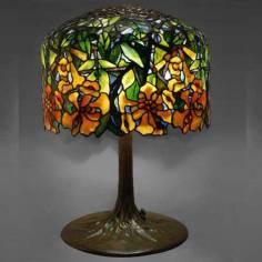 Đèn bàn Tiffany Trump – T15