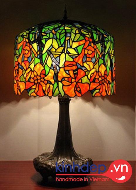 Thiết kế mẫu đèn bàn Tiffany Trumpet