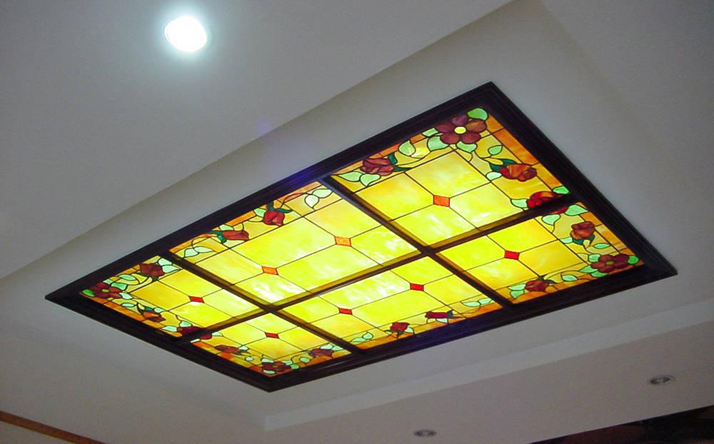 Trần kính trang trí biệt thự Xuân La, Tây Hồ, Hà Nội