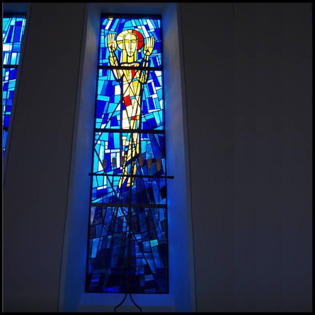 Mẫu tranh kính nhà thờ – V25