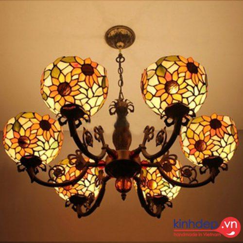 Thiết kế đèn chùm hoa hướng dương sang trọng, ấm áp