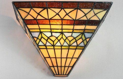 Vẻ đẹp tinh tế mẫu đèn hắt tường Tiffany H01