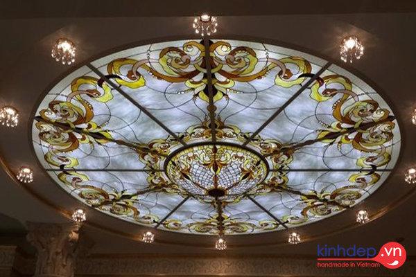 Những mẫu trần kính nghệ thuật đẹp cho nội thất nhà sang trọng