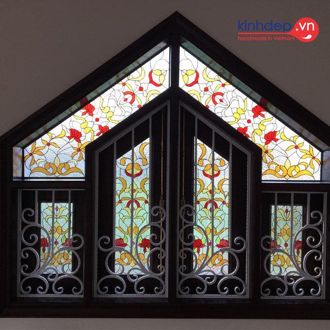 Mẫu cửa kính nghệ thuật – V31