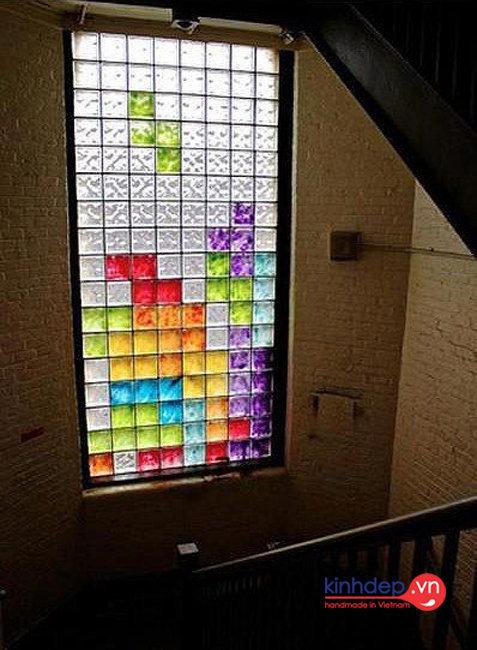 Vách ngăn kính màu nghệ thuật V37
