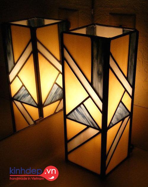 Mẫu đèn bàn Tiffany T22 - Mẫu đèn Tiffany hình hộp chữ nhật độc đáo