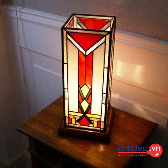 Mẫu đèn bàn Tiffany T23 - Mẫu đèn bàn hình hộp chư nhật độc đáo
