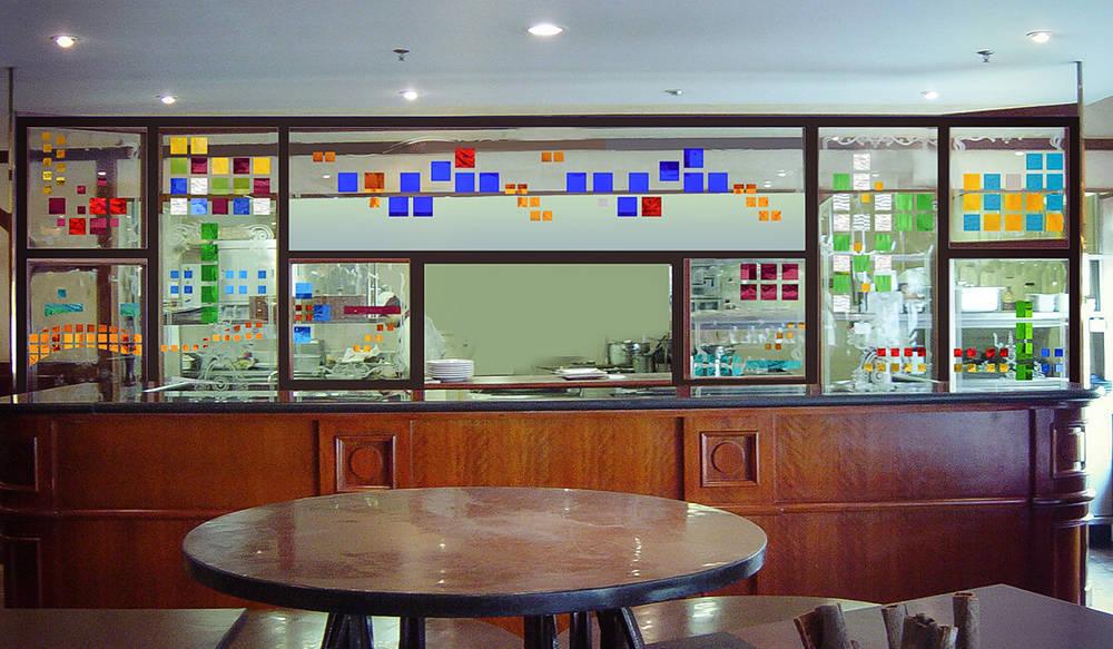 Kính màu dán keo UV khách sạn Hilton, Hà Nội
