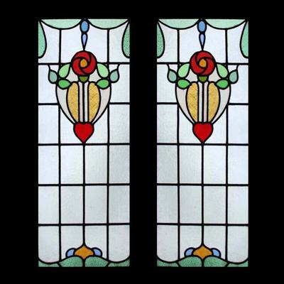 Cửa sổ kính màu họa tiết đơn giản V89