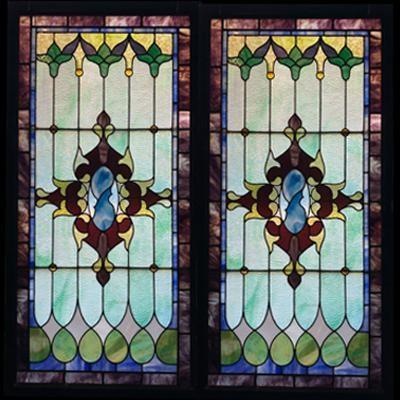 Thiết kế cửa sổ kính màu đẹp V86