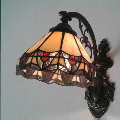 Mẫu đèn Tiffany treo tường họa tiết đẹp T32KD