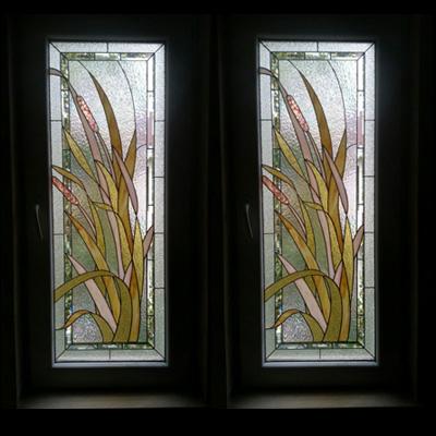 Cửa kính màu họa tiết cỏ lau NT10